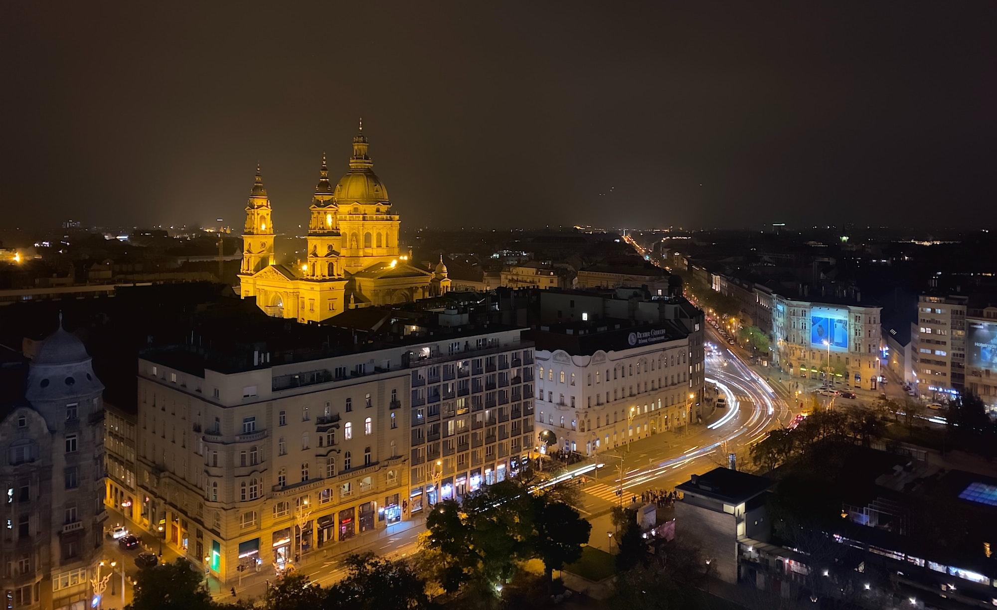 Budapest éjjel - Fotó: Sander de Vos / Unsplash